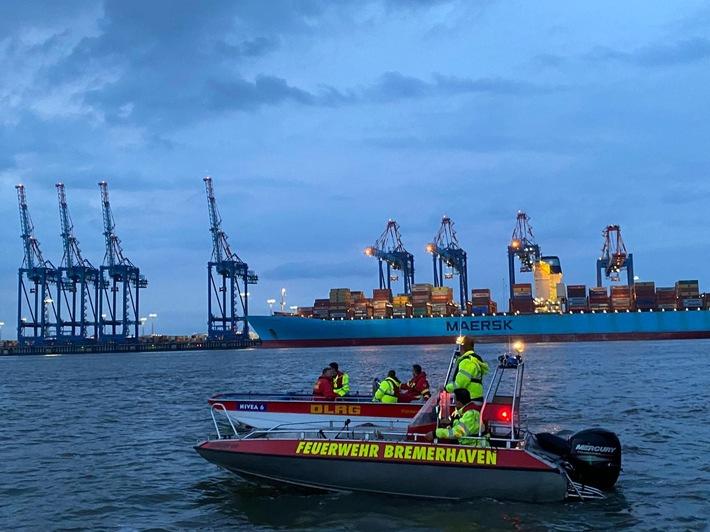 FW Bremerhaven: Feuerwehr Bremerhaven bildet weitere vierzehn Einsatzkräfte für die Wasserrettung aus