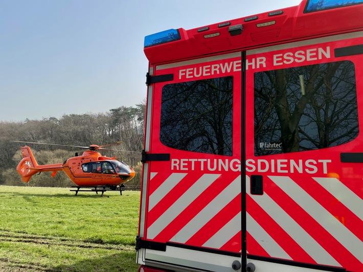 FW-E: Auffahrunfall fordert drei Verletzte in Essen- schwangere Frau mit Rettungshubschrauber in Klinik geflogen