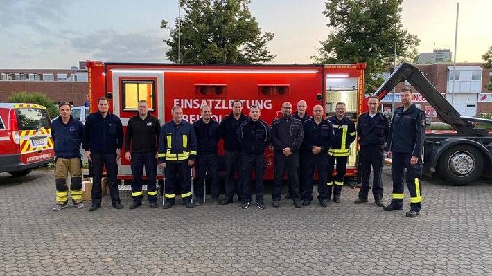 FW-OE: Feuerwehr-Führungseinheit aus dem Kreis Olpe hat in Erftstadt unterstützt