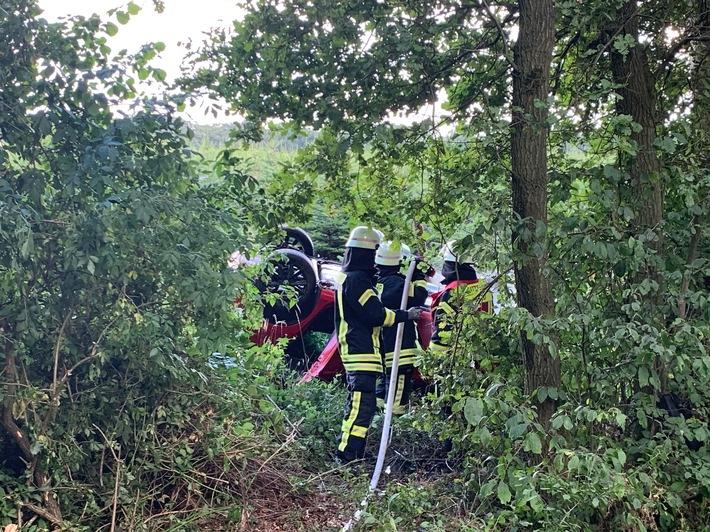 FW-ROW: Skoda Fabia verunfallt auf Landesstraße 130