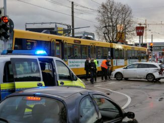 Accident Light Rail Police  - LeonWallis / Pixabay