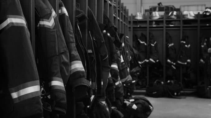 Black Fire Accessories Photograph  - hehlich / Pixabay