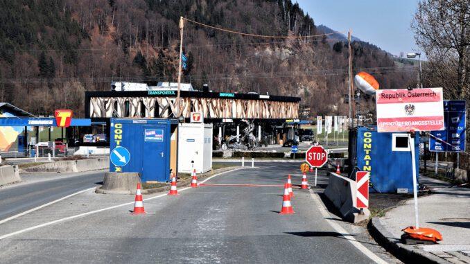 Border Control Entry Border Control  - ReinhardThrainer / Pixabay