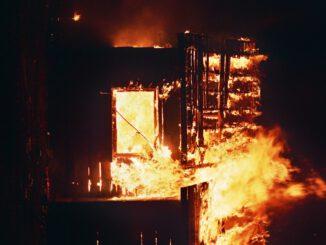 Burning Firefighters Flames Heat  - Pexels / Pixabay
