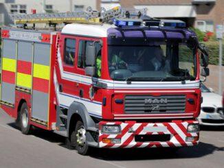 Fire Engine Fire Tender Firefighting  - ShepherdMedia / Pixabay
