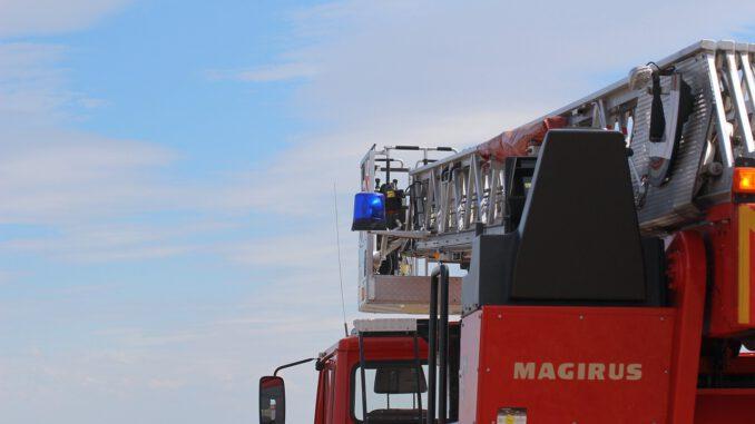 Fire Fire Truck Blue Light Siren  - TechLine / Pixabay