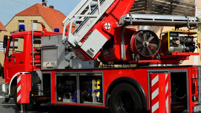 Fire Truck Turntable Ladder Ladder  - Detmold / Pixabay