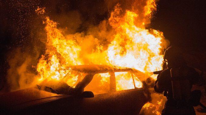 Flame Car Fire Vehicle Fire Delete  - Kollinger / Pixabay