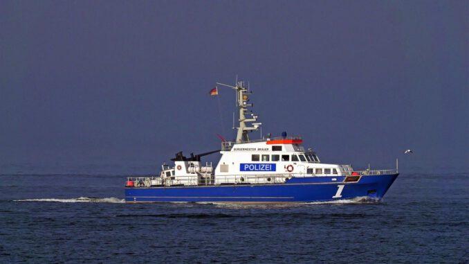 Police Boat Shipping River Current  - hpgruesen / Pixabay