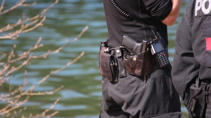 Police Divers Boat Diving Water  - bayern-reporter_com / Pixabay
