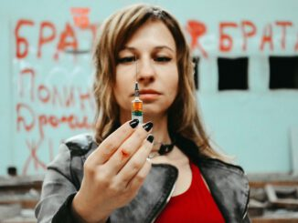 Syringe Drugs The Dependence Of  - Victoria_Borodinova / Pixabay