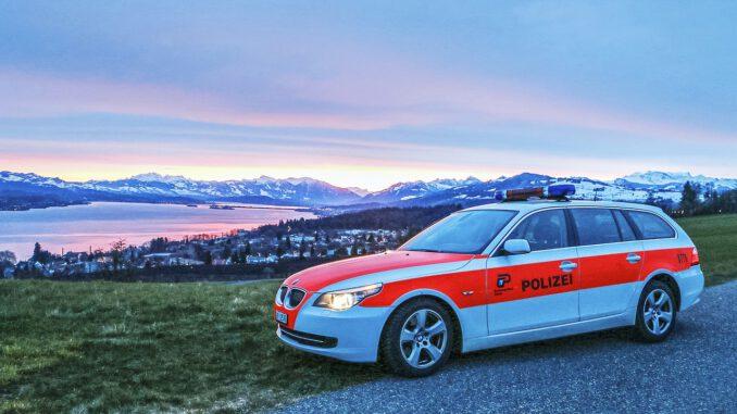 Zurich Cantonal Police Police Car  - RaphiD / Pixabay