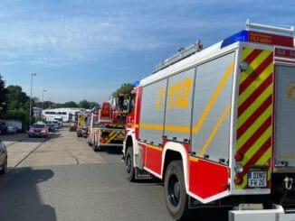 FW Dinslaken: Drei Einsätze beschäftigten die Feuerwehr am Montag
