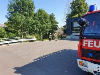 FW-Schermbeck: Brennender Laubhaufen in Gahlen