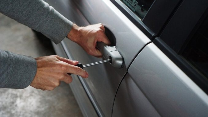 Car Burglary Thief Burglar  - TheDigitalWay / Pixabay