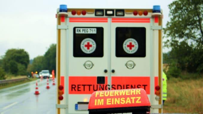 Fire Fighters Rescue Service Rescue  - bayern-reporter_com / Pixabay
