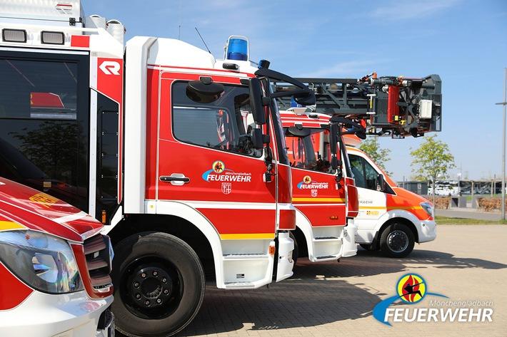 FW-MG: Brennender LKW auf der BAB 61