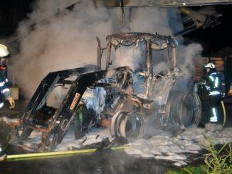 FW-MK: Brennender Traktor an der Nordhauser Straße