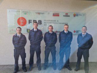 FW Ratingen: Brandmeister werden Notfallsanitäter - Weiterqualifizierung gestartet